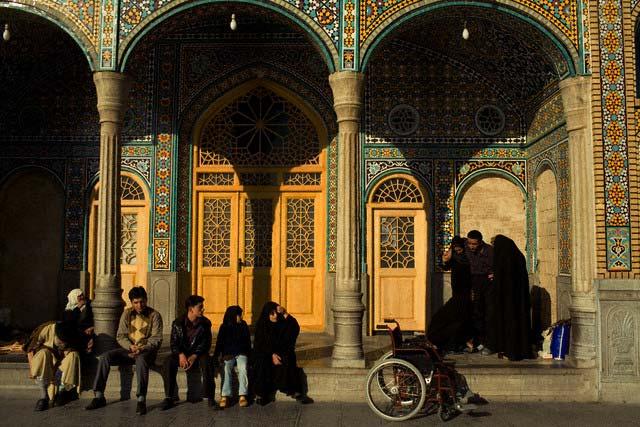 Iran - Religion - Daily Life - Masjed e-Jame Mosque