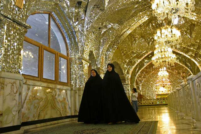 Iran - Religion - Women at Holy Shrine at Shahr-e Ray
