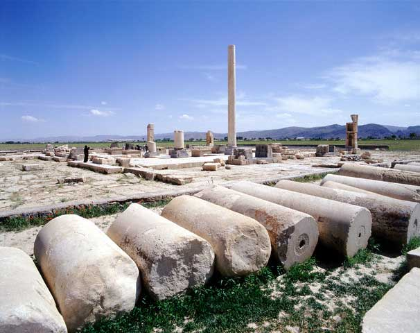 Apadana & Tomb of Solomon's Mother - Pasargadae, Iran