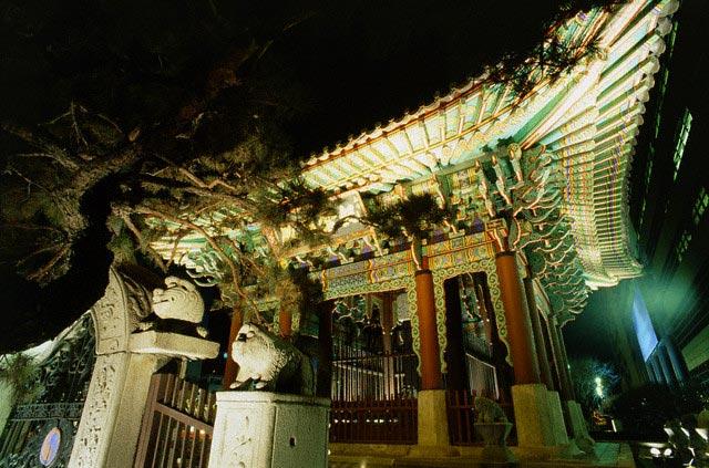 Temple at night, Seoul, South Korea