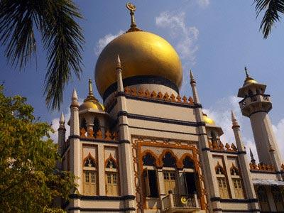 Sultan Mosque in the Muslim Quarter of Singap
