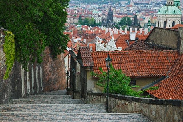 Steps From Prague Castle to Little Quarter