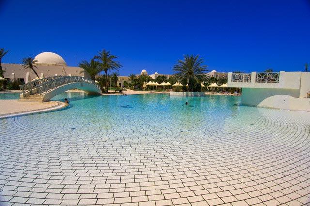 Swimming Pool at Hotel Yadis Djerba Resort