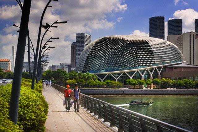 Esplanade Bridge and Singapore Skyline