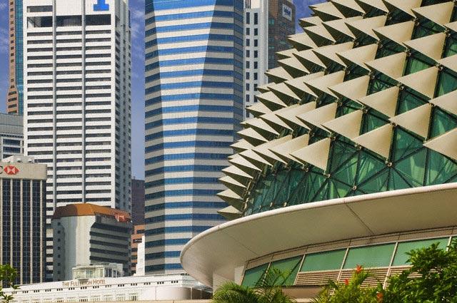 Skyscrapers and Esplanade: Theatres On The Ba