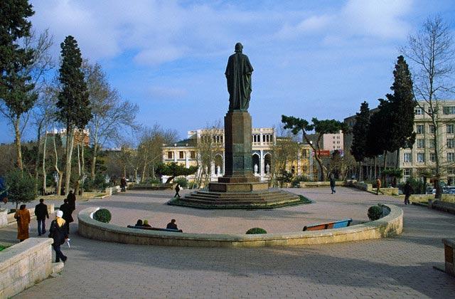 Park near museum of Azerbaijan literature, Ba