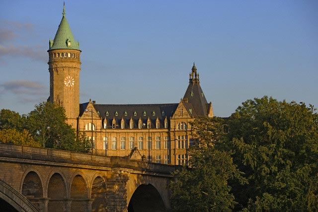 Adolphe Bridge and Palace on Place de Metz
