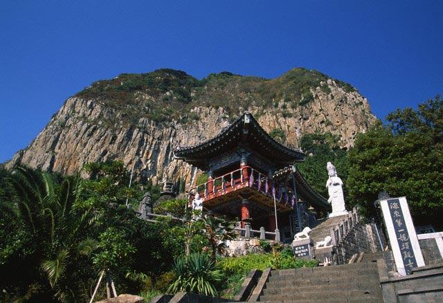 Temple Near Yongduam Rock