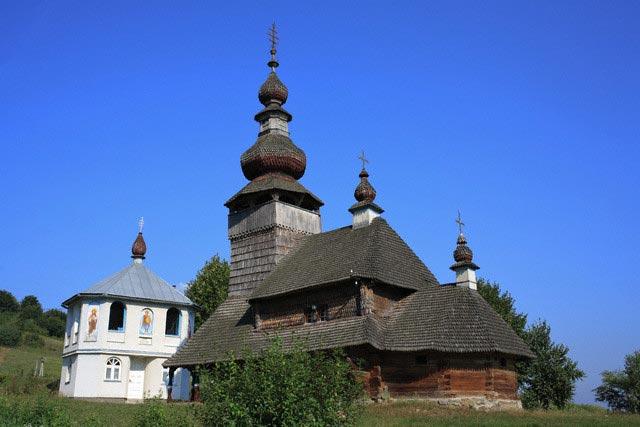 St. Nicholas wooden church (1588, 1759), Sval