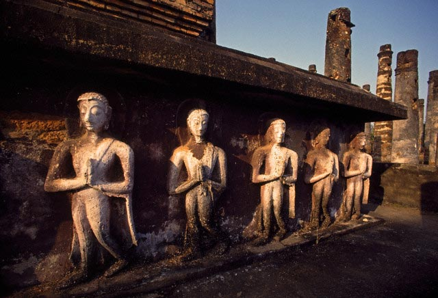 Buddha Sculptures in Ancient Ruin at Sukhotha