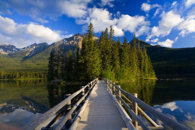 Footbridge on Pyramid Lake in Jasper National