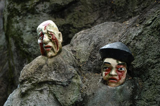 Severed Heads in Hell in Tiger Balm Gardens