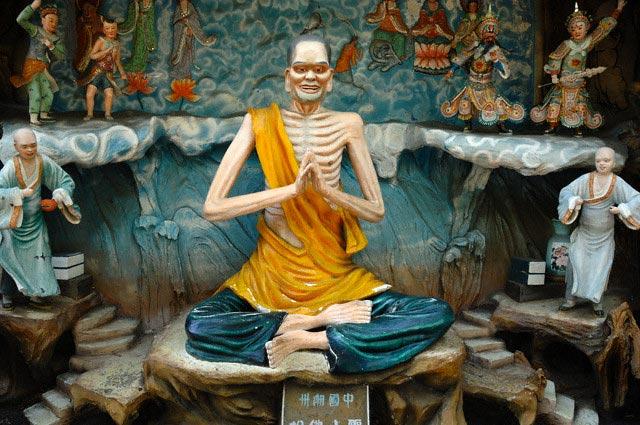 Emaciated Buddha in Tiger Balm Gardens