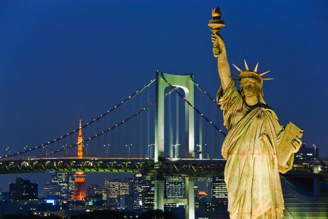 Statue of Liberty Replica and Rainbow Bridge