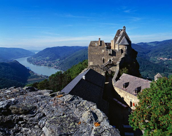 Aggsbach castle and Danube river