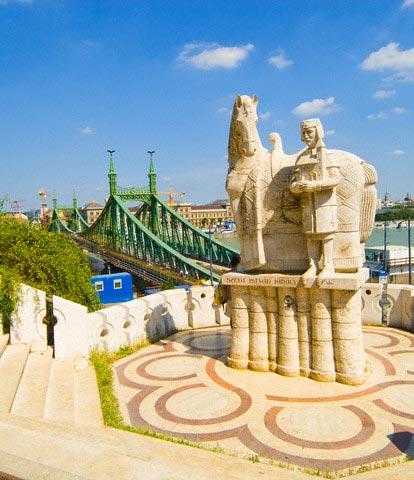 Statue of Saint Stephen near Liberty Bridge