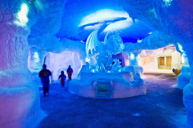 Ice Sculpures in Ski Dubai at Mall of Emirate