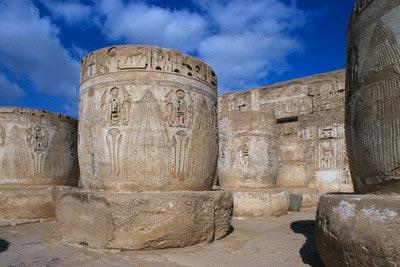 Hypostyle Hall Columns in the Ramesseum Decor