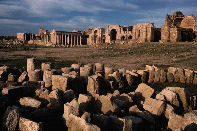 Ruins at Hatra