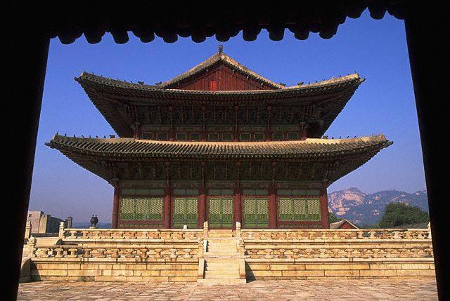 Kunjongjon Hall in Kyungbok Palace