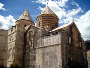 قره کلیسا یا کلیسای طاطاووس