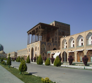 اطلاعات گردشگری کاخ عالی قاپو