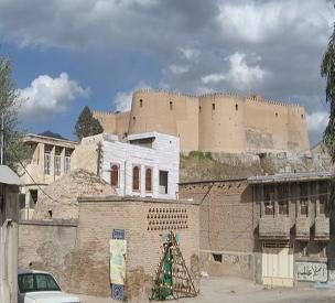 مقبره باباطاهر خرمآباد