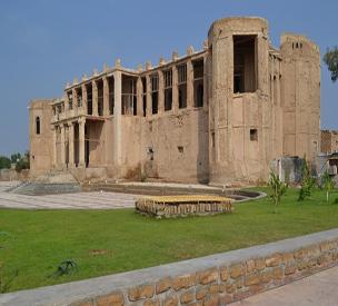 عکس دوم عمارت ملک بوشهر