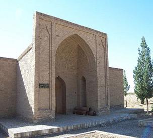 عکس دوم آرامگاه شیخ علاءالدوله سمنانی