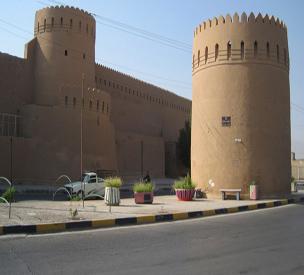 عکس دوم برج و باروهای یزد