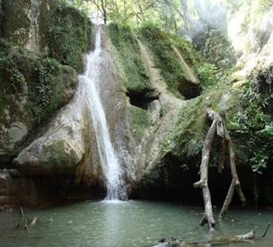 عکس دوم آبشار لوه