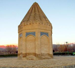 عکس دوم آرامگاه حیقوق پیامبر