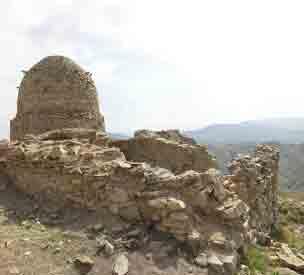 عکس دوم مقبره سلطان ویس
