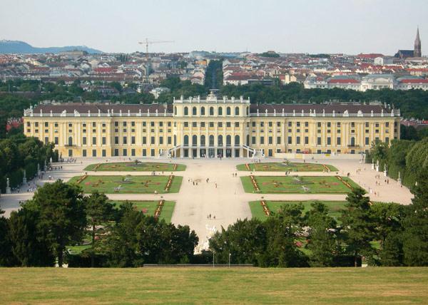 Schönbrunn Palace1