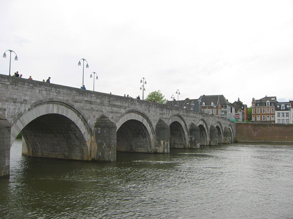 Saint Servatius bridge