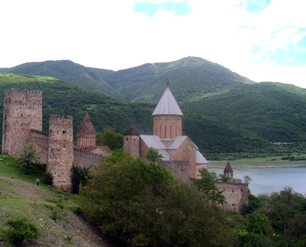 اطلاعات گردشگری Ananuri fortress