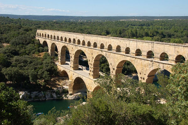 اطلاعات گردشگری Pont du Gard